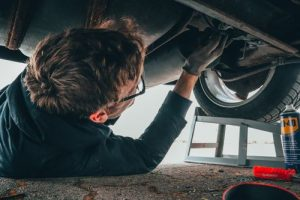 Cleaning services for car service and mechanical workshops